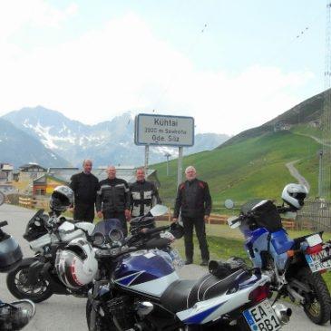 Mit Motorrad und Freunden im Allgäu